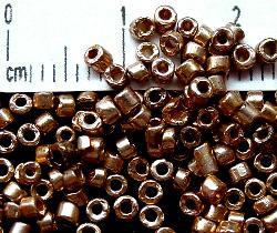 Best.Nr.:63053 Glasperlen in den 1920/30 Jahren in Gablonz/Böhmen hergestellt 2-cut metallic
