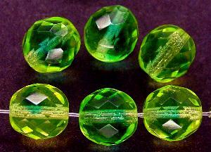 Best.Nr.:27477 facettierte Glasperlen Zweifarbenglas grün