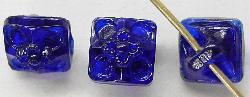 Best.Nr.:43044 Glasknöpfe, geprägt, cobaltblau  Von der Firma Josef Feix in Johannesberg / Böhmen vor 1920 hergestellt.