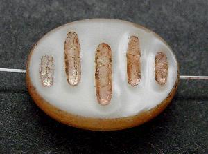 Best.Nr.:67934 Glasperlen / Table Cut Beads geschliffen, perlmuttweiß mit Travertin-Veredelung, nach alten Vorlagen aus den 1930/40 Jahren neu gefertigt