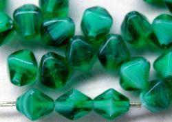 Best.Nr.:54052 Glasperlen  Doppelpyramide vierkantig  smaragdgrün /weiß