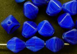 Best.Nr.:54013 Glasperlen  Doppelpyramide vierkantig  blau meliert