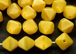 Best.Nr.:54005 Glasperlen  Doppelpyramide vierkantig  gelb