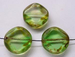 Best.Nr.:67823 Glasperlen / Table Cut Beads geschliffen mit picasso finish kristall grün