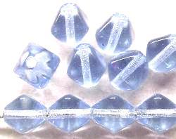 Best.Nr.:54058 Glasperlen  Doppelpyramide vierkantig  heller fliederton