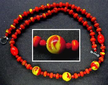 Best.Nr.:60010 R Perlenkette in Gablonz hergestellt.  Die Perlenketten wurden zu Kriegsende 1945 versteckt und sind jetzt nach über 60 Jahren wieder ans Licht gekommen.  Ein Leckerbissen für Sammler oder als Fundgrube für die Schmuckgestaltung