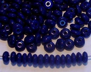 Best.Nr.:63483 Glasperlen Linsen dunkelblau 1940/50 in Gablonz/Böhmen hergestellt,