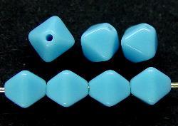 Best.Nr.:54068 Glasperlen Doppelpyramide vierkantig hellblau