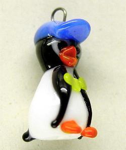 Best.Nr.:34024 handgefertigter Glasanhänger mit Öse Pinguin