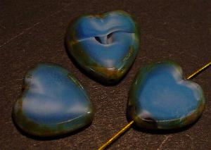 Best.Nr.:671122 Glasperlen / Table Cut Beads Herzen geschliffen mittelblau Perlettglas mit Travertin-Veredelung