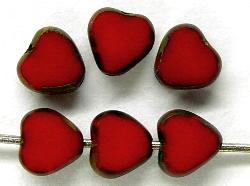 Best.Nr.:67028 Glasperlen / Table Cut Beads Herzen geschliffen  rot opak mit picasso finish,  hergestellt in Gablonz / Tschechien