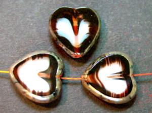 Best.Nr.:67774 Glasperlen / Table Cut Beads Herzen geschliffen, kristallweiß braun mit Travertin-Veredelung