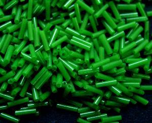 Best.Nr.:21122 Glasperlen / Stiftperlen in den 1940/50 Jahren in Gablonz/Böhmen hergestellt, grün