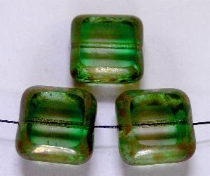 Best.Nr.:67083 Glasperlen kristall grün, Table Cut Beads geschliffen mit Travertin-Veredelung
