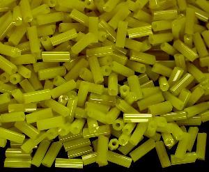 Best.Nr.:21038 Glasperlen / Stiftperlen in den 1940/50 Jahren in Gablonz/Böhmen hergestellt, gelb