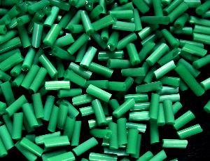 Best.Nr.:21097 Glasperlen / Stiftperlen in den 1940/50 Jahren in Gablonz/Böhmen hergestellt, Satinglas grün