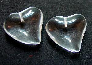 Best.Nr.:34096 Herzförmiger Anhänger kristall zum Einkleben eines Drahtstiftes.