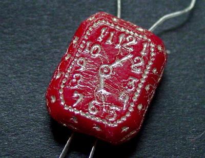 Best.Nr.:63595 Glasperle / Uhr in den 1930/40 Jahren in Gablonz/Böhmen hergestellt mit 2 Löchern /Vorderseite geprägt
