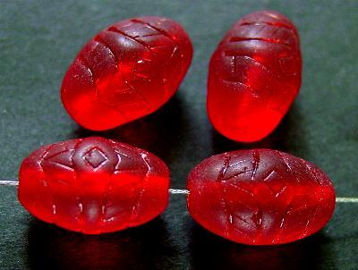 Best.Nr.:63563 Glasperlen in den 1920/30 Jahren in Gablonz/Böhmen hergestellt, geprägt, rot transparent und mattiert