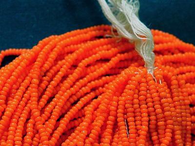 Best.Nr.:61208 Rocailles um 1940 in Böhmen hergestellt orange opak