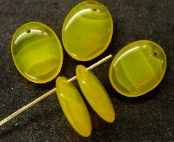 Best.Nr.:63265 Glasperlen in den 1920/30 Jahren in Gablonz/Böhmen hergestellt gelb