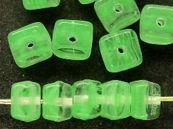 Best.Nr.:49210 Glasperlen Würfel  grün meliert, hergestellt in Gablonz / Tschechien