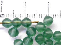 Best.Nr.:53016 Glasperlen Doppelkegel,  russischgrün transp. mattiert,  hergestellt in Gablonz / Tschechien