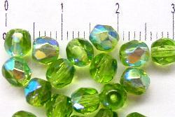 Best.Nr.:28132 facettierte Glasperlen  grün mit AB, hergestellt in Gablonz / Tschechien