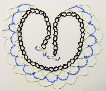 Best.Nr.:60001 wunderschön in Netztechnik handgearbeiteter Perlenkragen im 2. Viertel des vergangenen Jahrhunderts in Gablonz/Böhmen hergestellt Länge ca. 60 cm