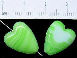 Best.Nr.:67322 Glasperlen geschliffen / Table Cut Beads,  Herzen grün meliert eine Seite ist geschliffen