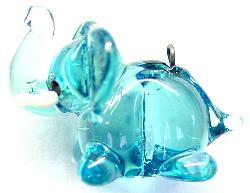 Best.Nr.:34061 handgefertigter Glasanhänger mit Öse Elefant