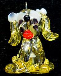 Best.Nr.:34075 handgefertigter Glasanhänger mit Öse Hündchen