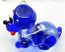 Best.Nr.:34079 handgefertigter Glasanhänger mit Öse Hündchen