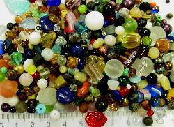 Best.Nr.:4194   bunter Glasperlen Mix Weit über tausend Glasperlen in verschiedensten Formen.