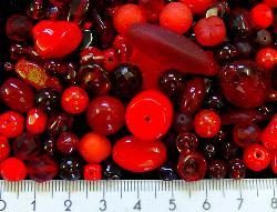 Best.Nr.:4321    Glasperlen Mix  in Rottönen 500 bis 1000 Glasperlen in verschiedensten Formen. Menge je nach Zusammensetzung der Mischung.