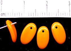 Best.Nr.:50007 Glasperlen Blätter  orange opak, hergestellt in Gablonz / Tschechien