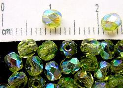 Best.Nr.:28115 facettierte Glasperlen hellgrün transp. mit AB, hergestellt in Gablonz / Tschechien