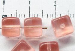 Best.Nr.:49096 Glasperlen Würfel rosa, hergestellt in Gablonz / Tschechien
