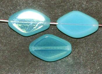 Best.Nr.:671197 Glasperlen / Table Cut Beads geschliffen, Opalglas türkisblau Rand mattiert (frostet), hergestellt in Gablonz / Tschechien